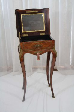 Napoleon III Side Table- mirror- styylish