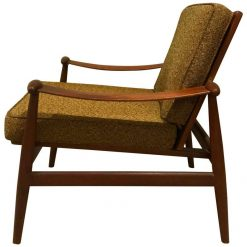 Mid century lunge chair-styylish