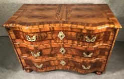 Baroque Chest- front- styylish
