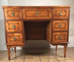 Antique Vanity- front- styylish