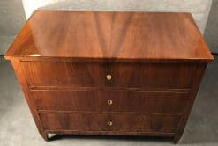 Biedermeier Commode walnut- top- styylish