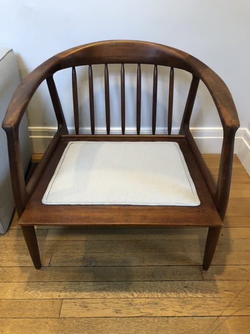 Mid Century Modern lounge chair- view without cushions- styylish