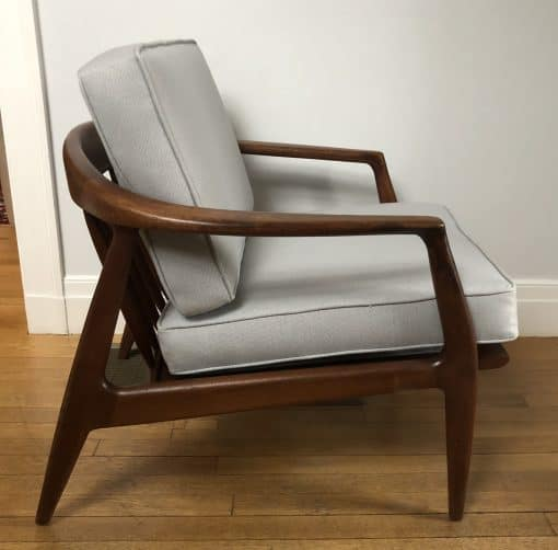 Mid century modern lounge chair- Sideview- styylish