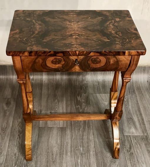 Biedermeier Sewing table- frontview with top- styylish