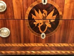 Neoclassical Dresser- king wood with marquetry-detail of front medaillon- Styylish