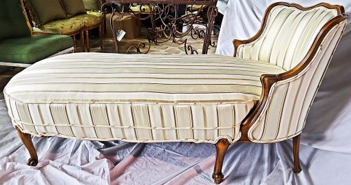 Chaise longue- view from the side- styylish