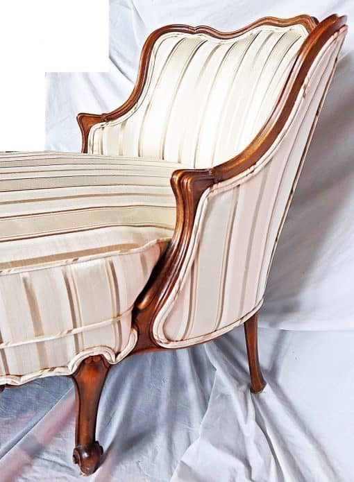 Chaise longue- view of the upper part with backrest- styylish