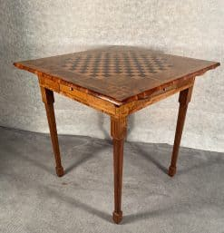 Louis XVI card table- corner view of top and legs- styylish