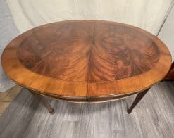 Extendable Dining Table- view of the top- styylish